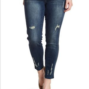 Seven7 blue legging distressed 24w Jeans NWT